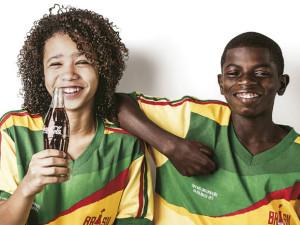 size_590_Coca-Cola_dá_boas_vindas_ao_mundo_em_campanha_da_Copa