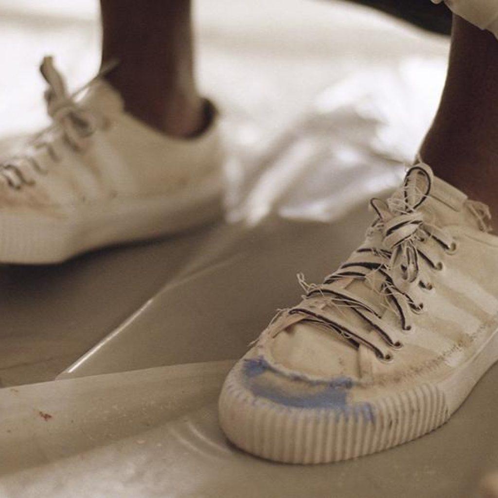 cc0c96eecf9 Com série de vídeos protagonizados por Donald Glover  Adidas lança colecção  assinada pelo artista